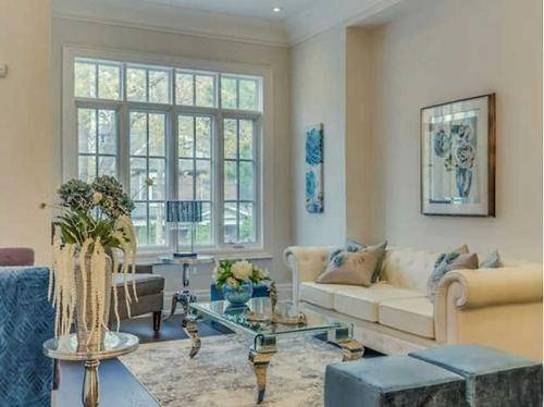 Lining room  home staging